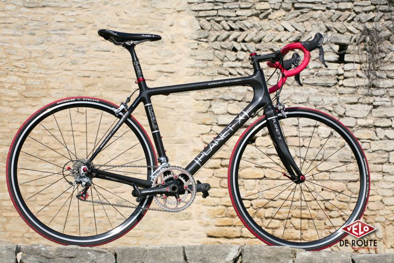 Le vélo du boss ! Planet X Superlight Pro Carbon, orientation cyclosport.