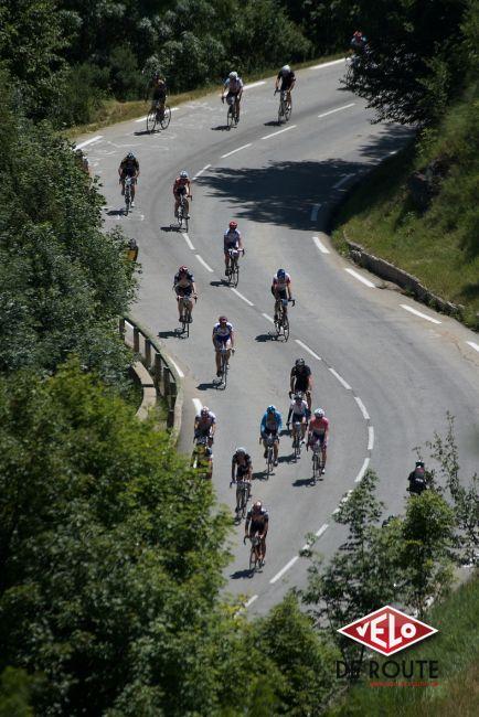 """La magie d'une étape alpine sur routes fermées dans un contexte """"Tour de France"""""""