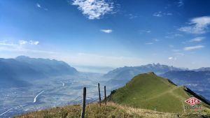 Un monotrace alpin particulièrement sympa... Mais qui se mérite, il faut grimper plus de 1'700m de D+ avant de le rejoindre !