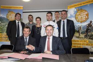 gallery Communiqué de presse : la Maurienne renouvelle son engagement auprès de la Fédération Française de Cyclisme