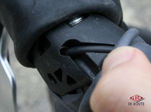 microSHIFT Centos 11 - les leviers offrent deux routages différents pour les gaînes de dérailleurs.