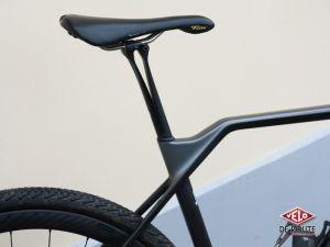 La tige de selle Canyon VCLS magnifie ce vélo ! Copyright Amaël Donnet