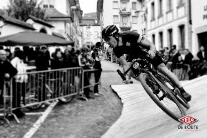 En action sur le Red Bull Velodux. Copyright Joakim Faisse / Vélo Romand