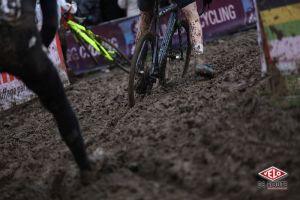 gallery Championnats du monde de cyclo-cross / Van Aert, une troisième couronne sur le Cauberg