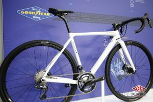 Allied Cycle Works sur le stand Goodyear