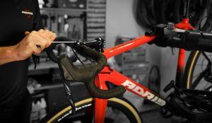 Le montage de tous les vélos est réalisé dans les nouveaux locaux à Colpo dans le Morbihan