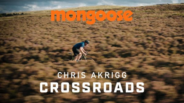 gallery Chris Akrigg – Crossroads