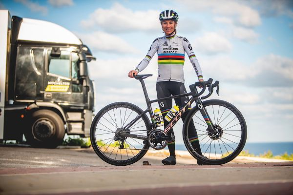 gallery Custom : le Scott Addict RC Championnat du monde personnalisé d'Annemiek van Vleuten