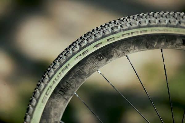 gallery Schwalbe G-One Ultrabite édition spéciale Olive-Skin